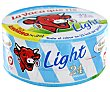 Queso fundido en porciones light Caja 375 gr (24 porciones) La Vaca que ríe
