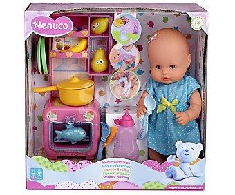 NENUCO Papillitas Muñeco bebé con cocinita y accesorios NENUCO.