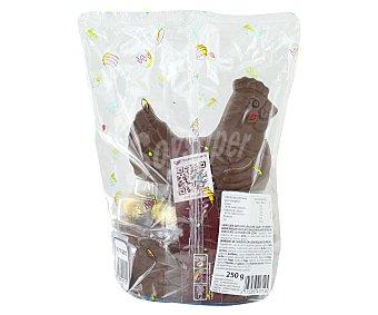 Productos Económicos Alcampo Gallina de Pascua de chocolate con leche más 7 huevos de Pascua 250 gramos