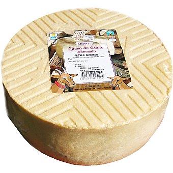 BENIJOS Queso de cabra fresco ahumado  2,5 kg (peso aproximado pieza)