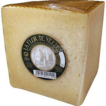 LA FLOR DE YELTES Queso curado de leche cruda de oveja peso aproximado pieza 700 g