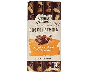 Nestlé Chocolate negro relleno de arándanos rojos y almendras 195 g