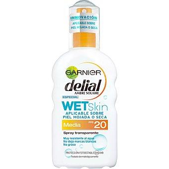 Delial Garnier Loción bronceadora aplicable sobre piel mojada o seca transparente FP-20 spray 200 ml resistente al agua Wet Skin Spray 200 ml