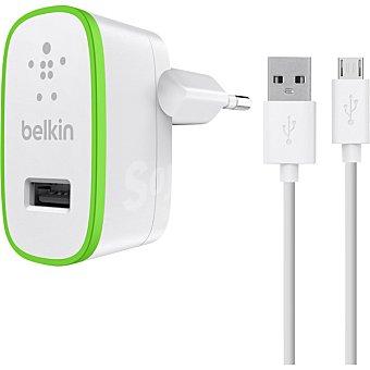 BELKIN Cargador Doméstico universal con cable de carga y sincronización Micro USB en color blanco