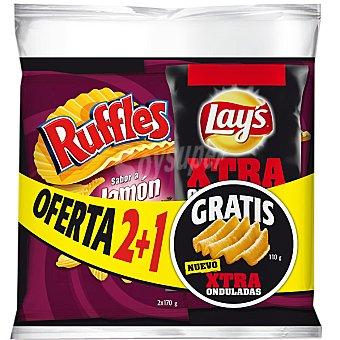 RUFFLES patatas fritas onduladas sabor jamón con regalo de bolsa de 110 g de Lay's Xtra Onduladas al punto de sal pack 2 bolsas 170 g