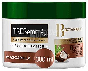 Tresemmé Mascarilla con aceite de coco y aloe vera, nutre y fortalece botanique 300 ml
