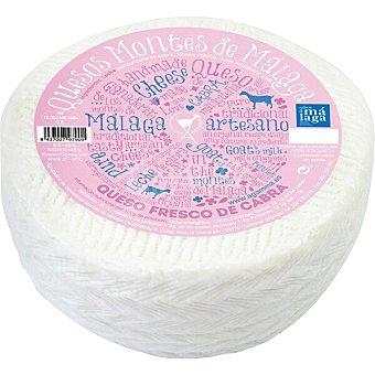 MONTES DE MÁLAGA Queso fresco de cabra 1/2 peso aproximado pieza  500 g