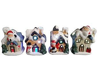 Actuel Casita de cerámica con divertida decoración navideña e iluminación mediante leds ACTUEL. Este producto dispone de distintos modelos o colores. Se venden por separado SE SURTIRÁN SEGÚN EXISTENCIAS