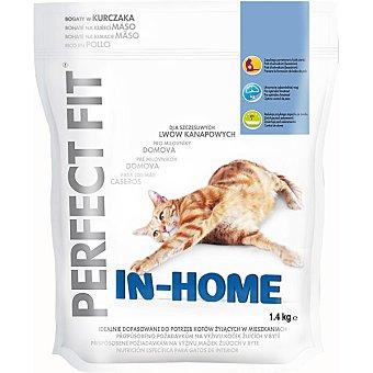 PERFECT FIT In-Home Para gatos activos rico en pollo y salmón bolsa 1,4 kg Bolsa 1,4 kg