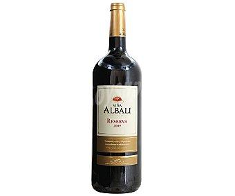 Viña Albali Vino tinto reserva magnun con denominación de origen Valdepeñas Botella de 1,5 litros