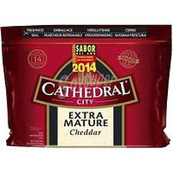 CATHEDRAL CITY Queso extra curado Cheddar Bandeja 200 g