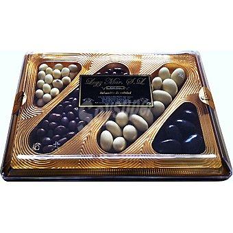 Loyz Mar Cesta nº15 Cora pasas y nuez con chocolate con leche, cacahuete y almendras con chocolate blanco y almendra con chocolate negro 280 g 280 g