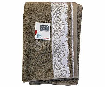 AUCHAN Toalla para ducha de algodón, estampada color marrón visón, 70x140 centímetros 1 Unidad