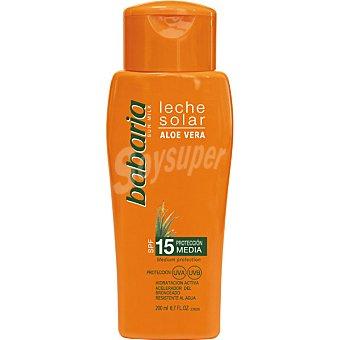 Babaria Leche solar aloe vera FP-15 hidratación activa resistente al agua frasco 200
