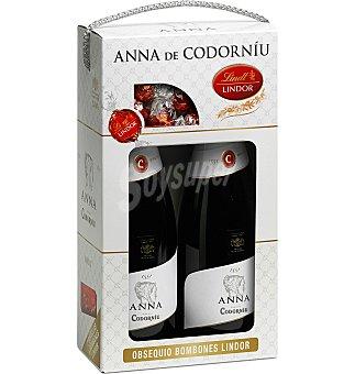 Anna de Codorníu ESTUCHE DE CARTON CON 2 BOTELLAS DE CAVA + BOMBON 2 botellas de 75 cl + bombón