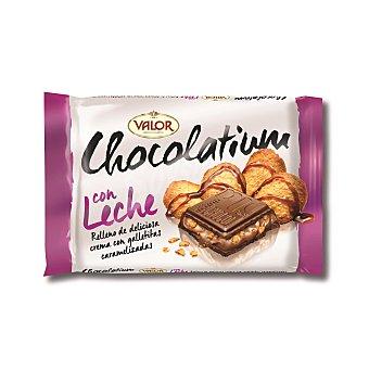 Valor Chocolate con leche relleno de crema con galletitas caramelizadas chocolatium Tableta de 100 g