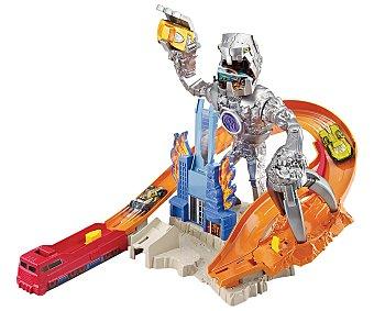 Hot Wheels Pista de carreras El ataque del robot, incluye 1 coche