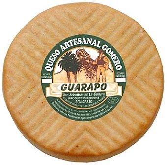 GUARAPO Queso artesanal gomero tierno ahumado  800 g (peso aproximado pieza)