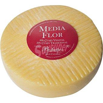BOLAÑOS Queso media flor 50% cuajo vegetal 50% cuajo tradicional peso aproximado pieza 4 kg 4 kg