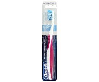 ORAL B Pro-Expert Cepillo dental suave , limpieza profunda, 1 Unidad