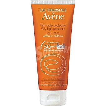 Avène Leche protectora solar especial niños SPF 50+ resistente al agua y sin perfume Tubo 250 ml