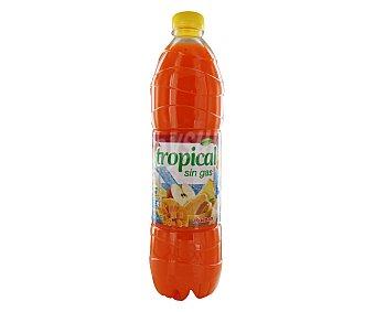 Auchan Refresco tropical sin gas (bebida refrescante de zumo de frutas con azúcares y edulcorantes) Botella de 1,5 litros