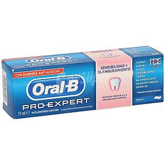 ORAL B Pro-Expert Pasta dentífrica Sensibilidad + Blanqueante con flúor sabor menta tubo 75 ml protege frente a la sensibilidad dental Tubo 75 ml