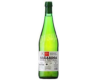 SAIZAR Sidra natural de manzana producida en Euskadi botella de 75 centilitros