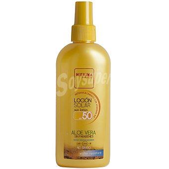NIEVINA Loción solar aloe vera FP-50 antienvejecimiento con vitaminas A y E resistente al agua Frasco 200 ml