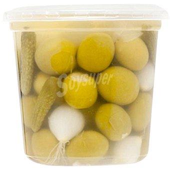 Guerra Cóctel de aceitunas manzanilla con cebollitas y pepinillos envase 250 g neto escurrido Envase 250 g neto escurrido