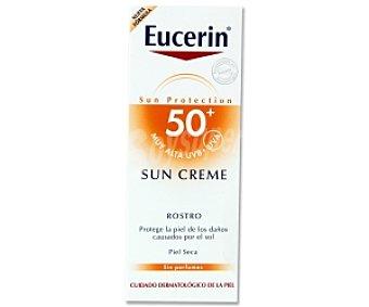 Eucerin Crema solar rostro FP50, protege la piel de los daños causados por el sol 50 Mililitros