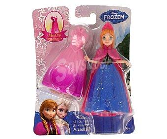 Disney Minimuñeca Princesa de Frozen, con ropita Clik para vestirla, incluye 2 vestidos 1 unidad