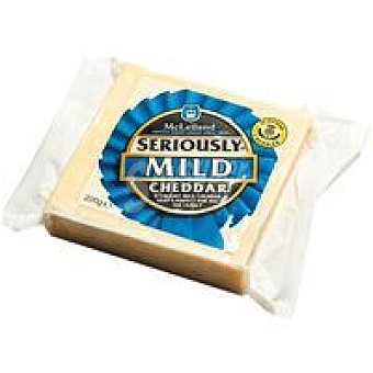 Seriously strong Queso Cheddar suave 200 g