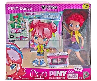 PINYPON Piny Dance Muñeca Piny Dance, con app para grabar videos, PINYPON.