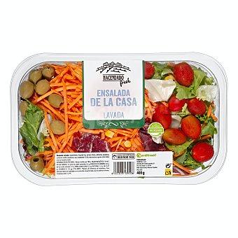 Hacendado Ensalada de la casa ( lechugas variadas, rúcula, col lombarda, zanahoria, tomate cherry, maiz y aceitunas verdes) Tarrina 400 g