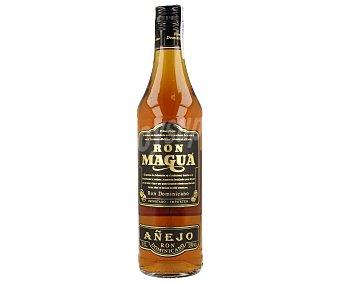 Magua Ron añejo dorado Botella de 70 cl