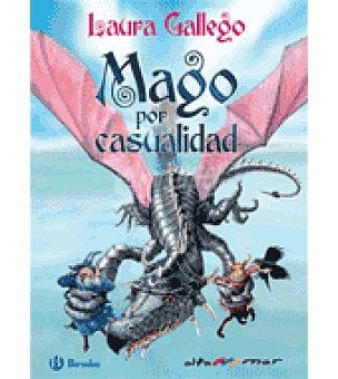 Laura Gallego Magos por casualidad ( )