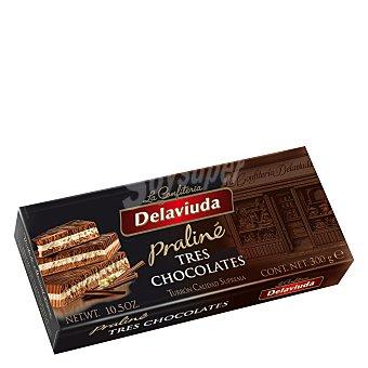 Delaviuda Turrón praliné tres chocolates 300 g