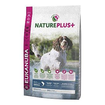 EUKANUBA NATUREPLUS+ Pienso para perros adultos medianos Eukanuba Nature Plus+ salmón 10 Kg