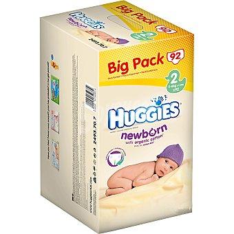 HUGGIES NEWBORN Pañales de 3 a 6 kg talla 2 paquete 92 unidades