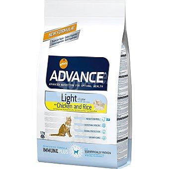 Advance Affinity Alimento de alta gama para gatos con sobrepeso con fibra rico en pollo y arroz Light Bolsa 1,5 kg