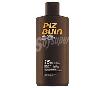 PIZ BUIN Allergy Loción solar para pieles sensibles con factor de protección 15 (bajo) 200 ml