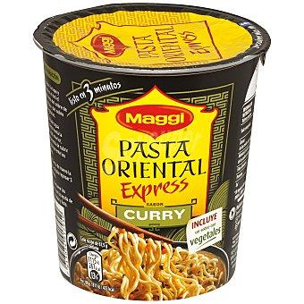 MAGGI Pasta oriental (fideos fritos) con sabor a curry (incluye sobre con vegetales) 61,5 gramos