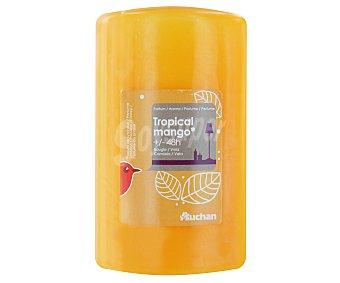 AUCHAN Vela cilíndrica perfumada de 70x115 milímetros y con olor a mango 1 Unidad
