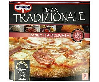 Tradizionale Dr. Oetker Pizza de tomate, panceta y queso, horneada sobre piedra