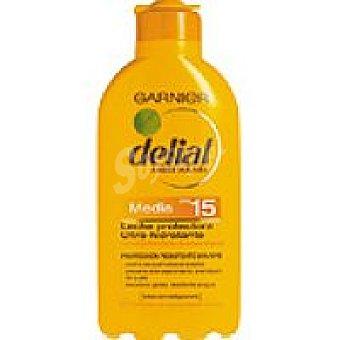 Delial Garnier Leche solar F15 Bote 200 ml