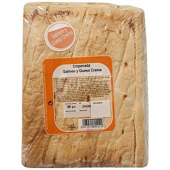 Carrefour Empanada de hojaldre de salmón y queso Envase de 600 g