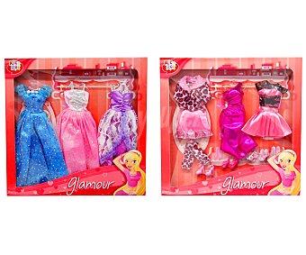 RIK & ROK Caja con Tres Vestidos para Muñecas 1 Unidad