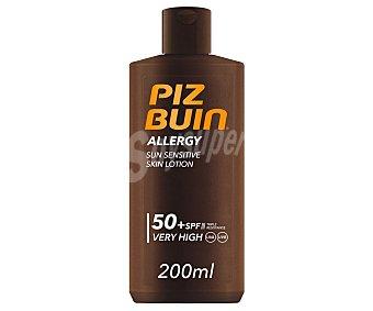 PIZ BUIN Allergy Protector solar en loción con FPS 50+ ( muy alto), especial pieles sensibles al sol 200 ml