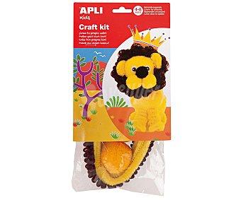 APLI Bolsa con la estructura exterior de muñeco, al cual insertándole pipas de goma eva, se convierte en el muñeco de un león. Edad recomendada de 4 a 8 años 1 unidad